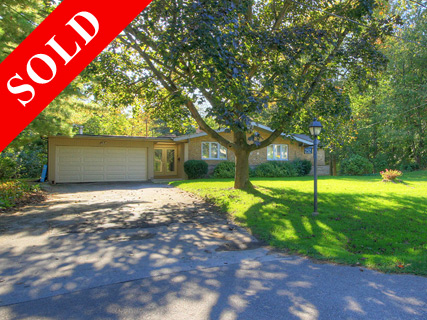 252-Alscot-Home-Sold-in-south-east-Oakville-David-Newton-Homes