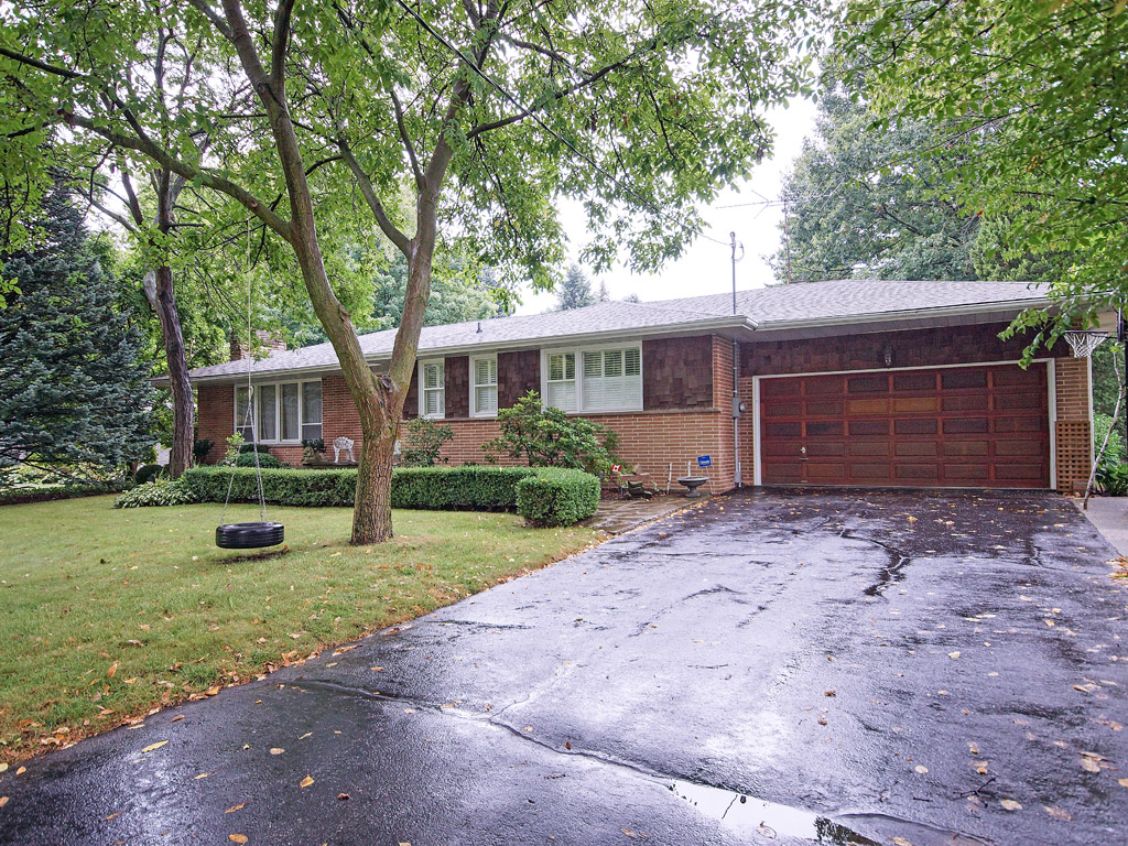 194-Dunwoody-Oakville-David-Newton-Homes